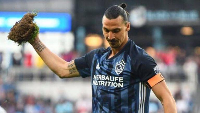 Zlatan luce molesto después de un partido