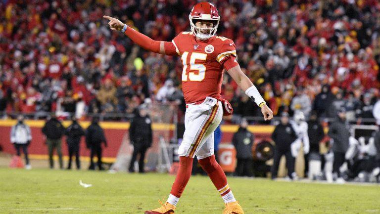 Patrick Mahomes celebrando touchdown