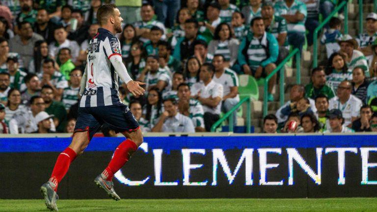 Vincent Janssen celebrando el gol del empate ante Santos