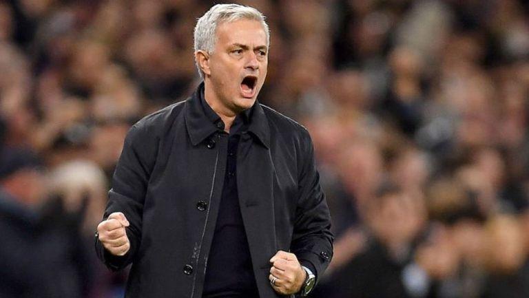 Mourinho celebra una anotación del Tottenham