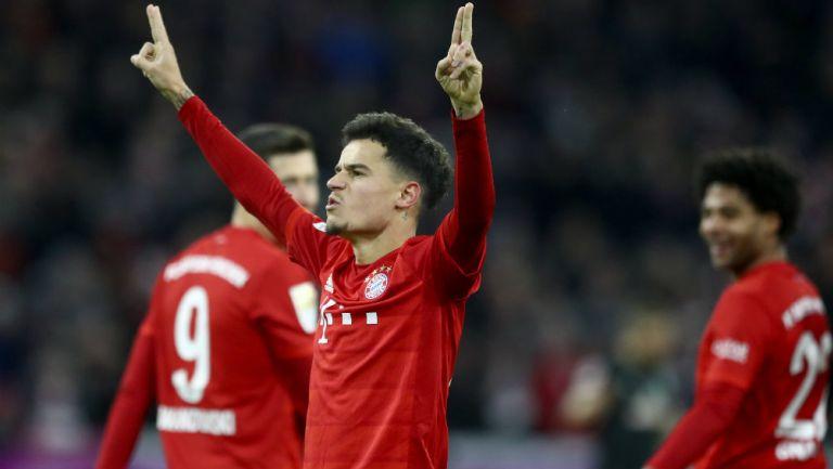 Philippe Coutinho festeja un gol con el Bayern