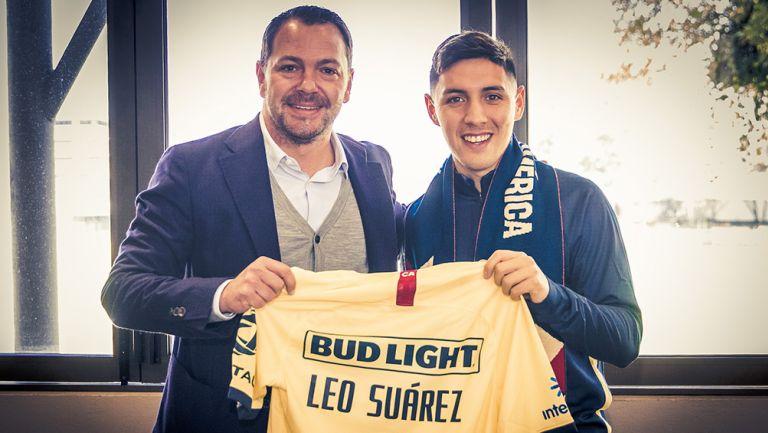 Leo Suárez posa junto a Santiago Baños en Coapa