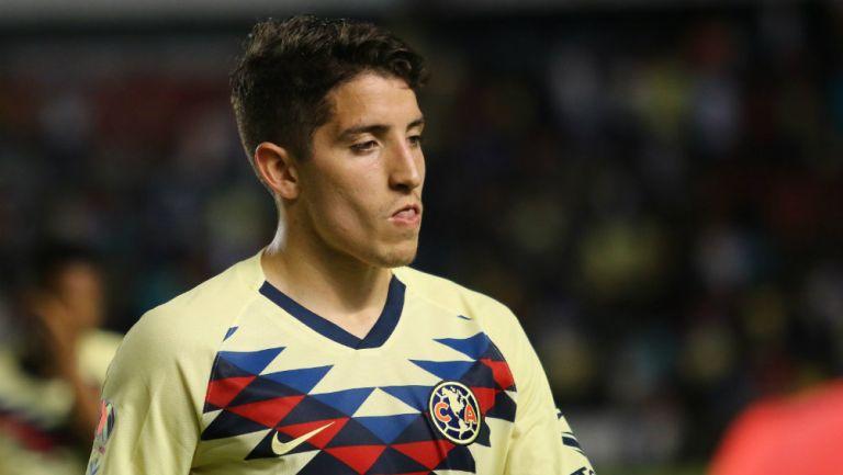 Santiago Cáseres en partido con América