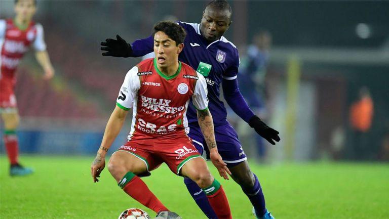 Omar Govea durante un partido en Bélgica