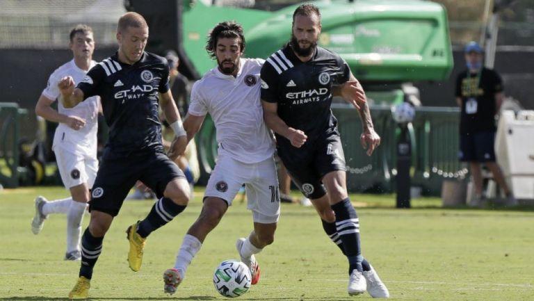 Rodolfo Pizarro en acción con el Inter Miami