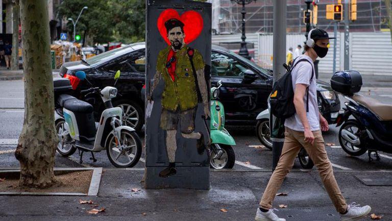Grafiti de Messi en Plaza Cataluña