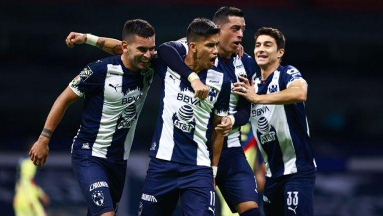Jugadores de Monterrey celebrando un gol