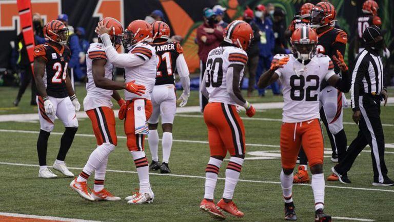 Los Browns celebran una anotación sobre los Bengals