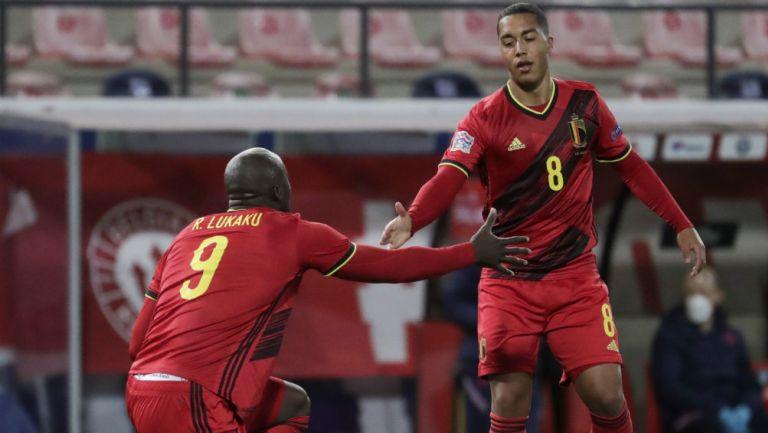 Lukaku y Tielemans en acción ante Inglaterra