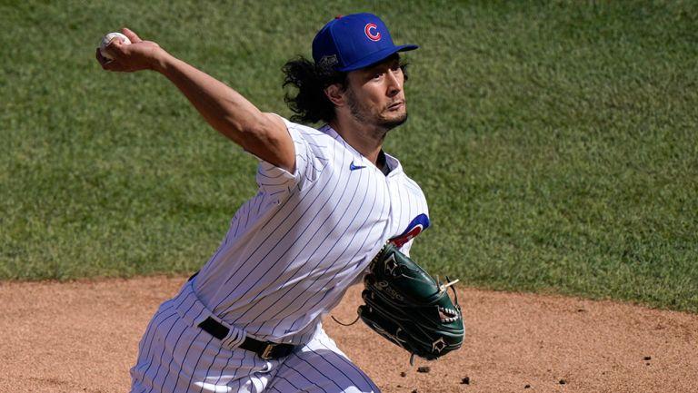 Darvish lanza la bola en un partido de Chicago