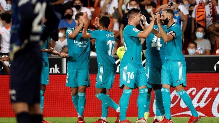 Los Merengues en festejo de gol