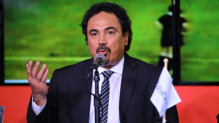 Hugo Sánchez en una conferencia
